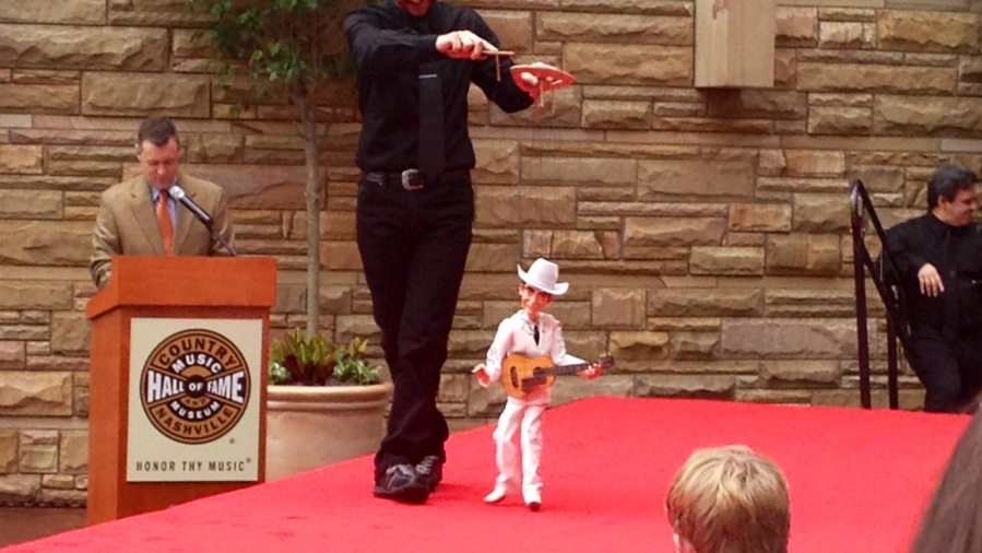 "Hank Williams ""walking"" the red carpet in Nashville"