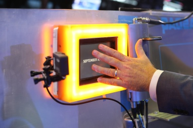Light it up / © 2014, The NASDAQ OMX Group, Inc.